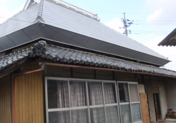 屋根リフォーム 雨漏り修理 瓦葺き替え 岡山