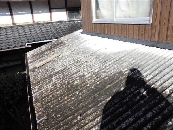 岡山県赤磐市で屋根工事 板金工事 スレート劣化
