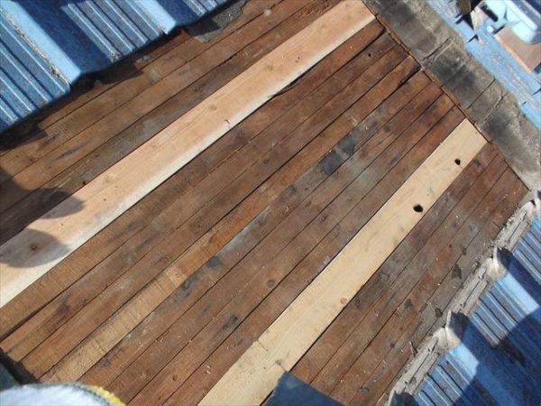 岡山市南区で屋根工事 雨漏り修理 下地野地板補修