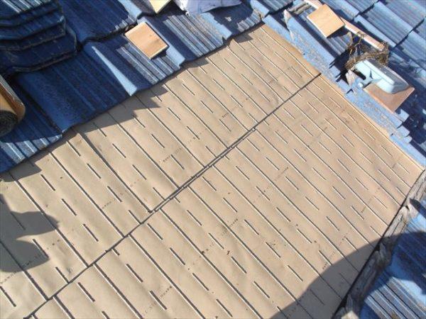 岡山市南区で屋根工事 雨漏り修理 下地防水紙東和ルーフ