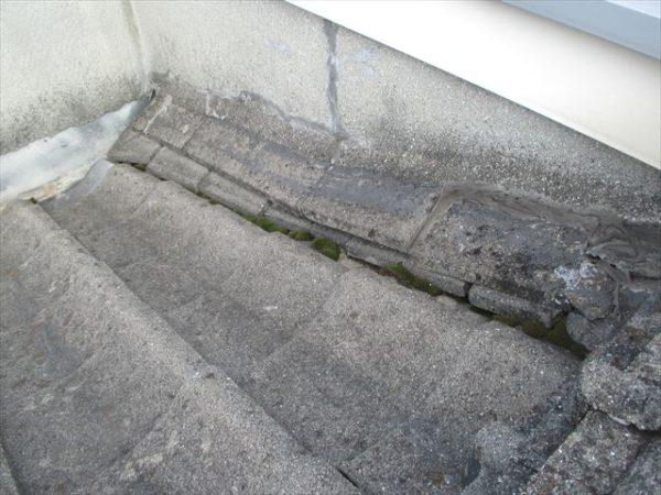 岡山市南区 屋根工事 雨漏り点検 壁際熨斗崩れています