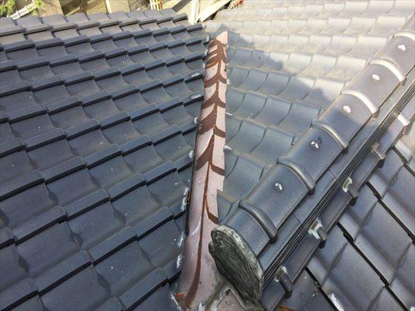 岡山市南区 屋根工事 屋根修理 谷板金取り替え 谷赤錆