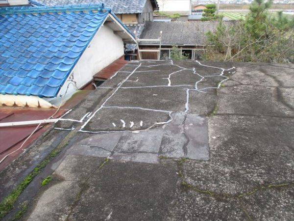 岡山市南区で屋根工事 カバー工法 雨漏り修理 工事前陸屋根