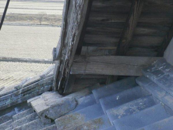屋根工事 雨漏り修理 熨斗のズレ