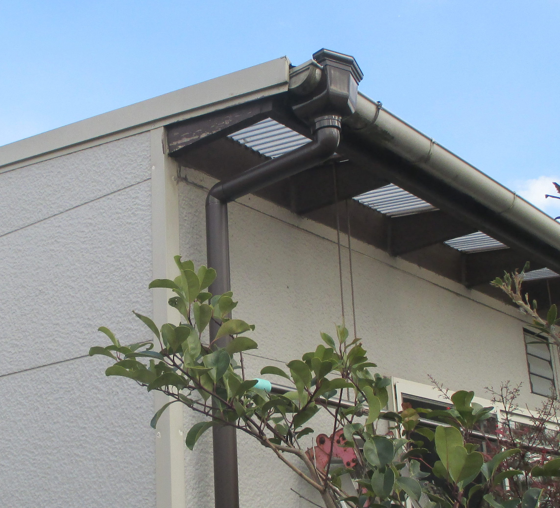 屋根リフォーム 雨漏り修理 雨どい補修 岡山