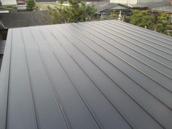 岡山市南区で屋根工事 カバー工法 雨漏り修理 完成