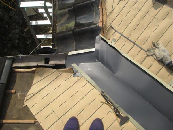 岡山県吉備中央町 屋根雨漏り修理 谷板金取り替え