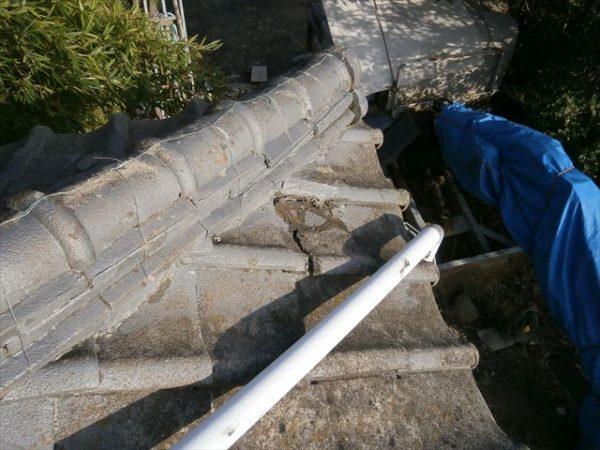 屋根工事 雨漏り修理 割れ瓦