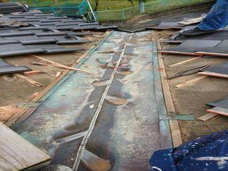 岡山県津山市で屋根工事 雨漏り修理 谷交換
